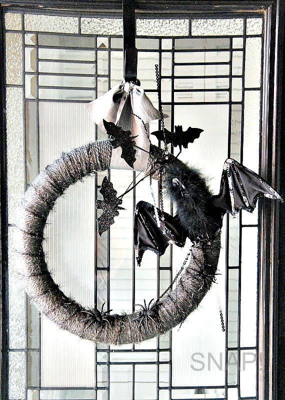 Halloween yarn wreath 11