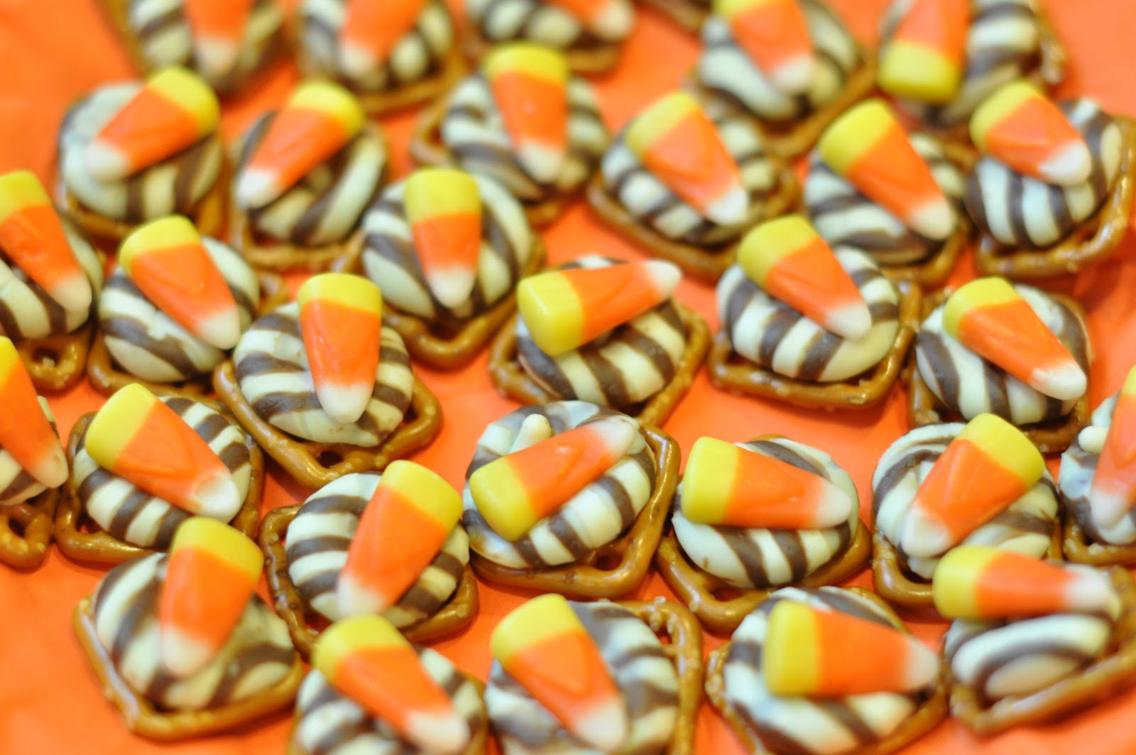 20 Easy Halloween Snacks - Tauni + Co