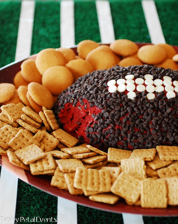Superbowl party appetizer - red velvet cheese ball