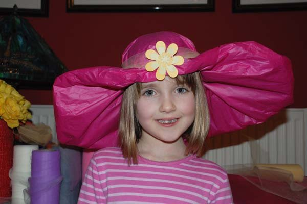 Tissue Paper Easter Bonnet via Zing Zing Tree