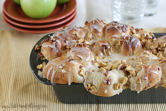 apple filled pull apart loaf
