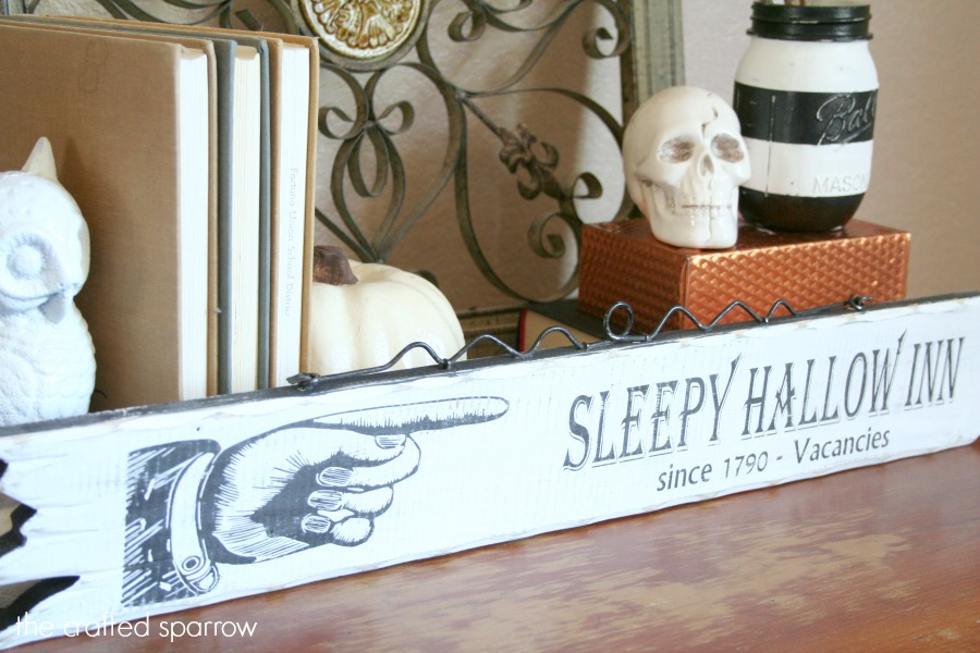 DIY Sleepy Hallow Halloween Sign