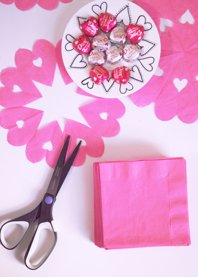 DIY- Heart-Doily-Napkins-5863