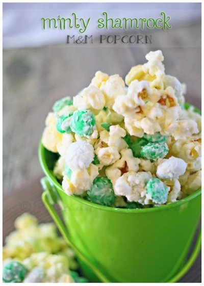 Minty Shamrock Popcorn via Klienworth and Co.