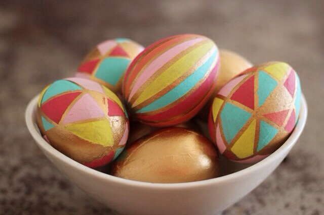 Kaleidoscope Easter Eggs via Sparklepants