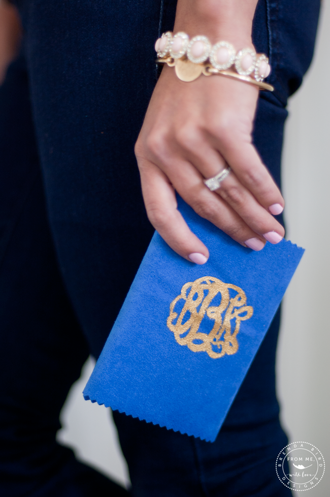 DIY-almost-no-sew-passport-holder-monogram