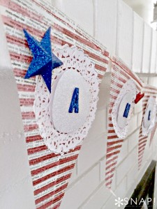 Handmade paper patriotic banner via @snapconf Make this banner in less than an hour for under $5 #FourthofJuly #Patriotic