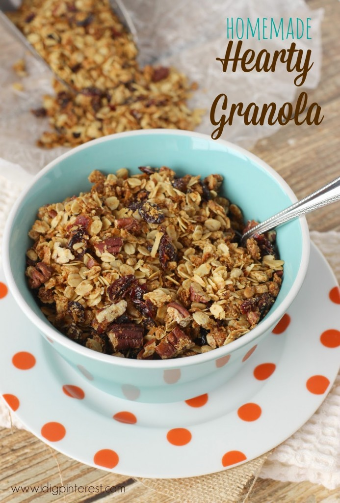 Hearty Homemade Granola Recipe via @queenchristine from I Dig Pinterest - Check out the other great granola recipes for fall @Snapconf