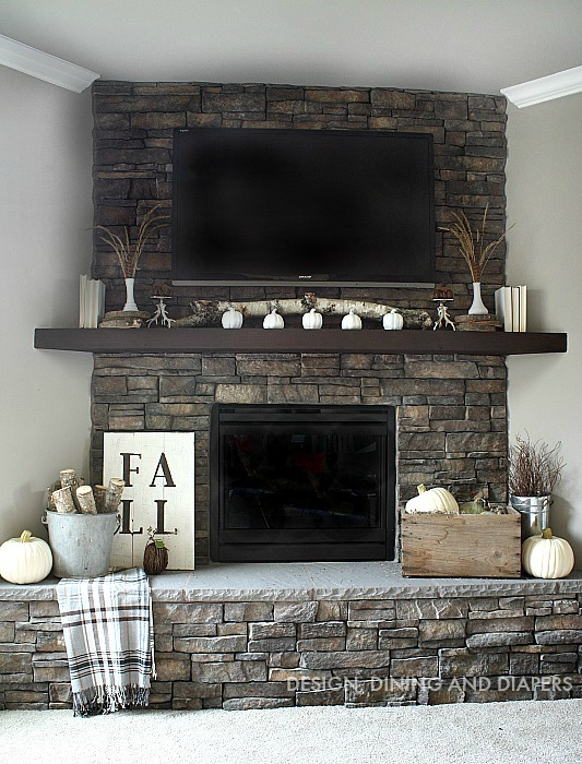 Neutral fall mantel from Design Dining & Diapers