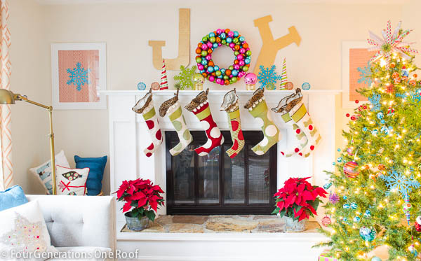 15 Festive Holiday Mantels