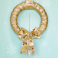 DIY gold and polka dots wreath