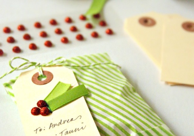 Simple Holly Berry Gift Tags
