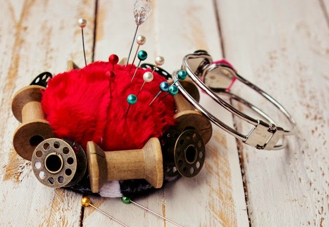 Handmade Bracelet Pincushion Tutorial + Giveaway