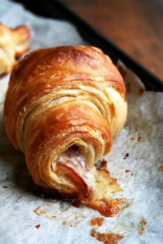 prosciutto gruyere croissants