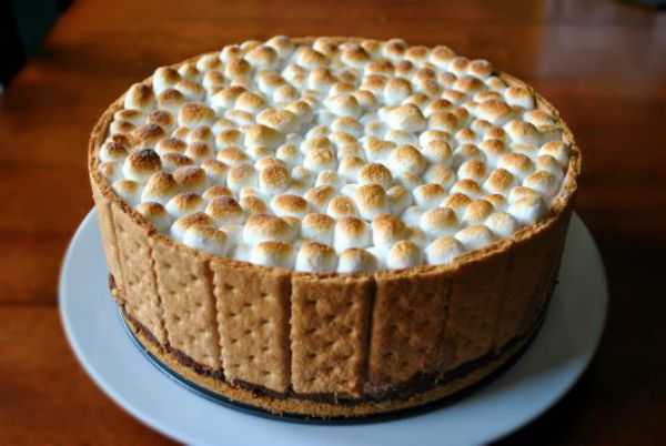 S'mores ice cream cake recipe. This is THE answer to enjoying S'mores on a HOT summer day!