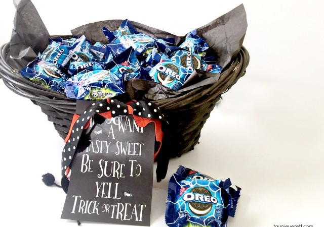 Glow in the Dark Halloween Treat Basket