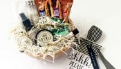 I love the idea of welcoming houseguests with a little gift. This houseguest welcome basket is filled with goodies to pamper and to snack on. The do not disturb sign would be a fun addition.