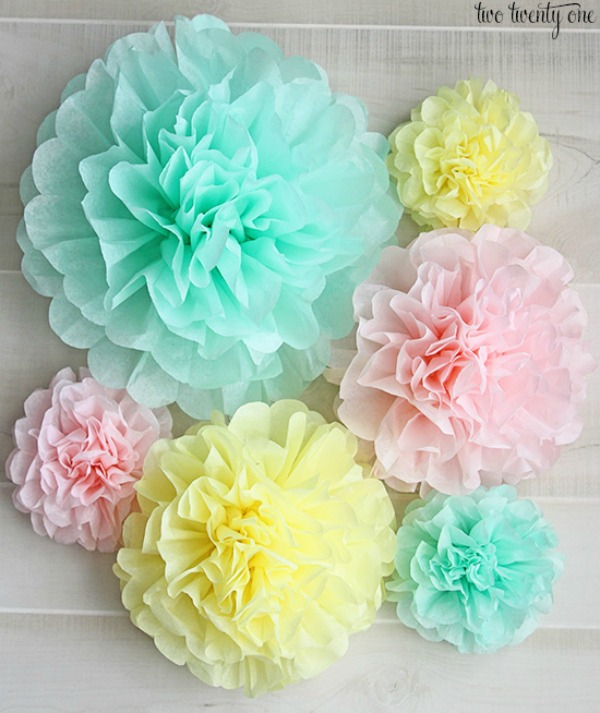 tissue-paper-pom-pom-how-to