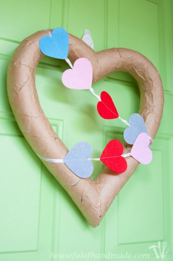 3-Rustic-Valentines-Day-Heart-Wreath-14