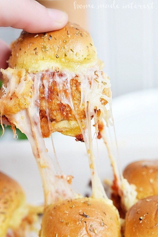 Chicken-Parm-Sliders_verticalHMI