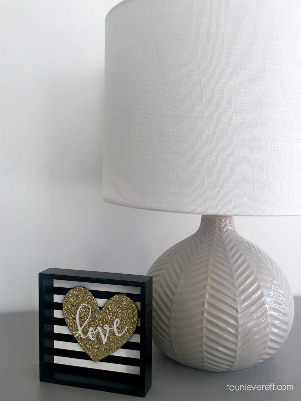 Great, inexpensive ideas in this Valentine's home tour.
