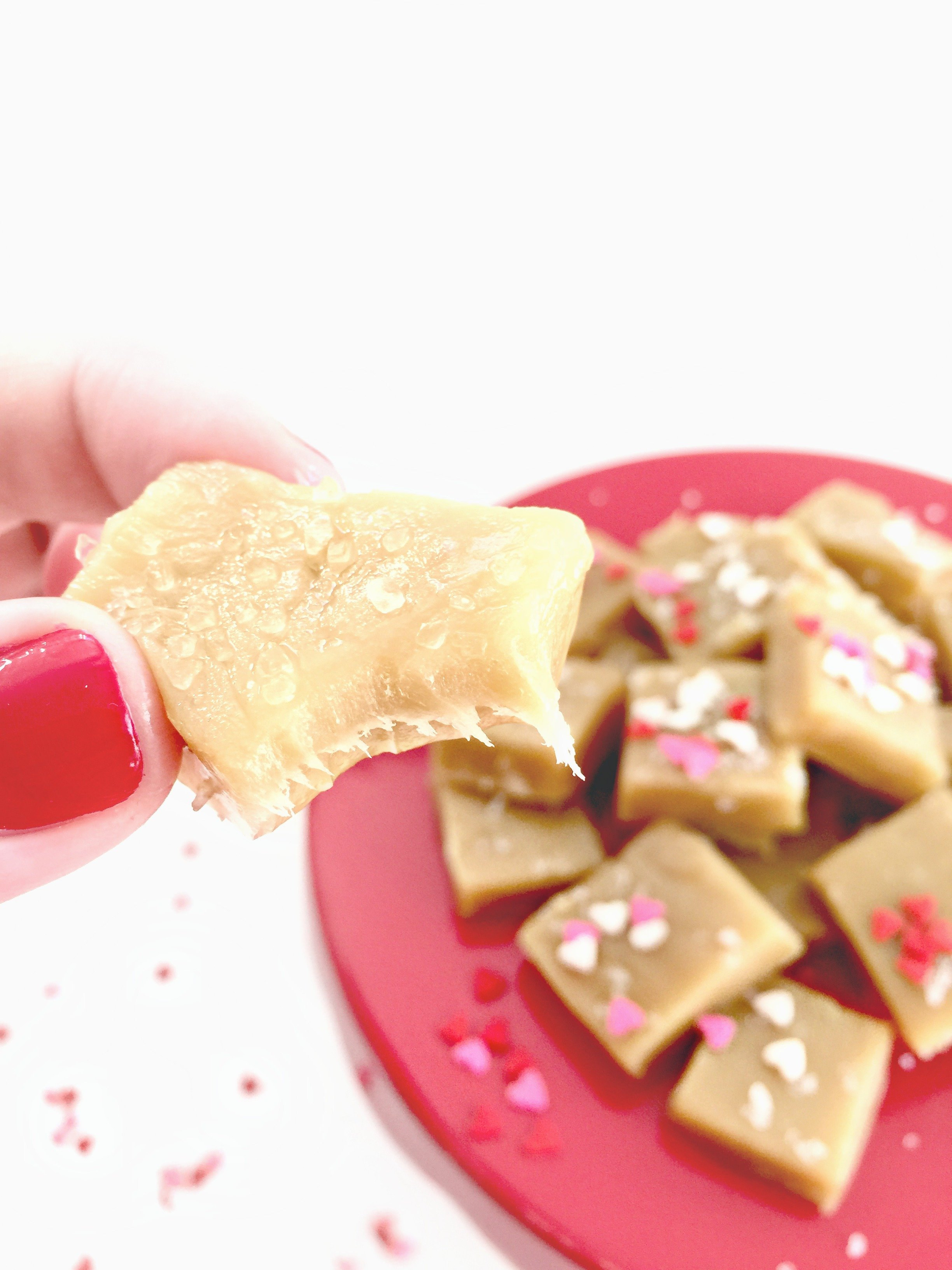 Soft, chewy caramels made in the microwave in less than eight minutes?! Yes!