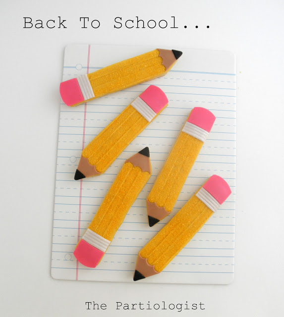 12 Perfect Pencil Treats. Great for celebrating back-to-school or for a classroom/school party.