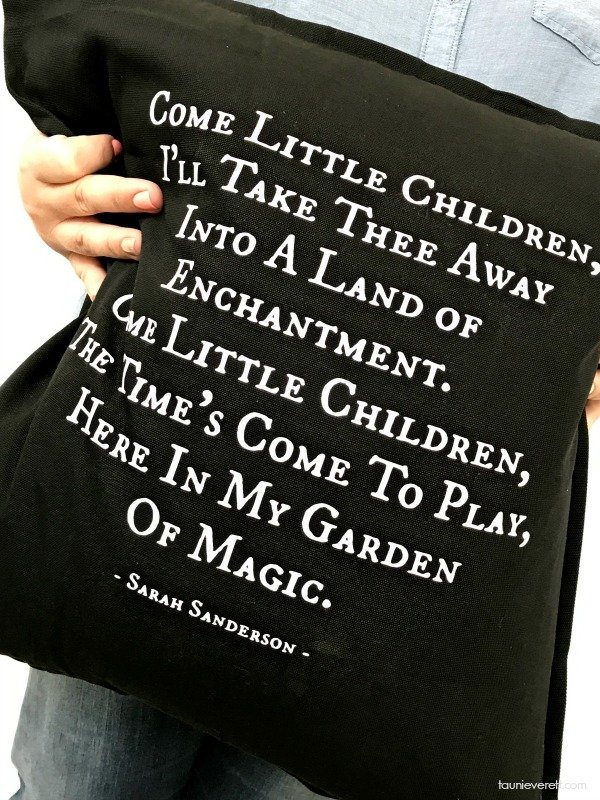 DIY Hocus Pocus pillow featuring Sarah Sanderson's Song. Free cut and stencil file.
