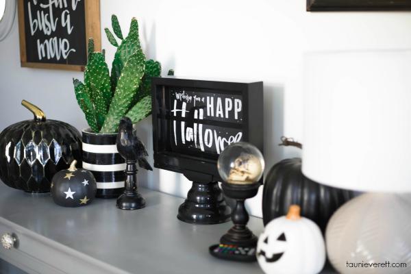 Halloween home tour 4 © tauni everett
