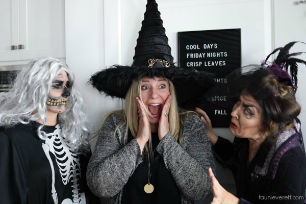 Great ideas for a witches tea, including invitations and a full menu #halloween #witchestea #halloween party
