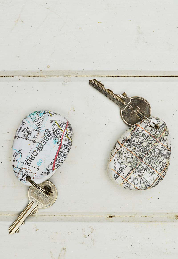 Printed map rock keychains 5 s