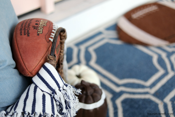 Great ideas for a neighborhood football tailgate party #football #tailgating #superbowl