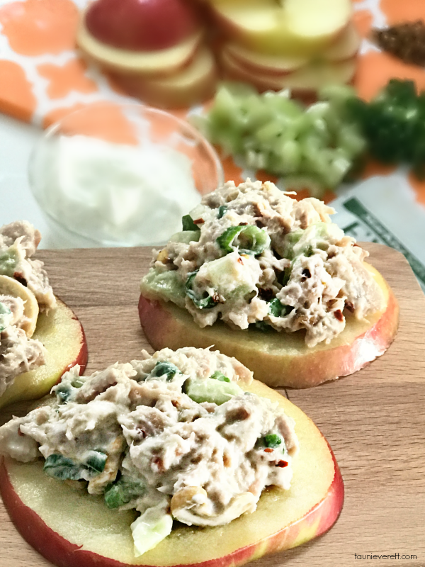 Healthy Apple Tuna Salad Bites. Yummy and ZERO Weight Watchers Points! #tuna #lunch #weightwatchers