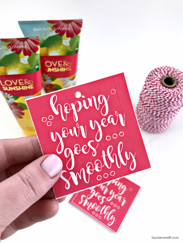 Print + Cut Smooth Year Gift Tag. Perfect for teachers at back to school. #printable #gifttag #backtoschool #teachergift