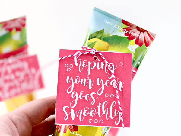 Print + Cut Smooth Year Gift Tag