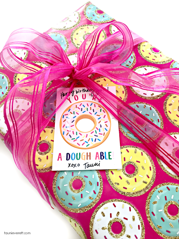 Adoughable donut printable gift tag 5600 © tauni everett 2018