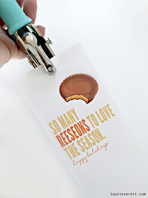 Reese's Thanksgiving Favor. Free printable available for download. #thanksgiving #thanksgivingfavor #thanksgivingprintable #gifttag #reeses