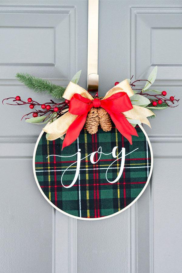 Embroidery hoop christmas wreath new pinterest1
