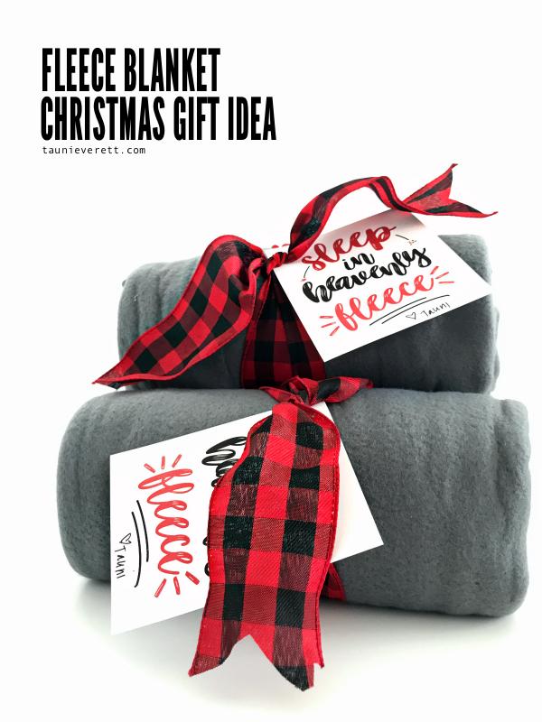 Fleece blanket christmas gift idea © tauni everett 22 600