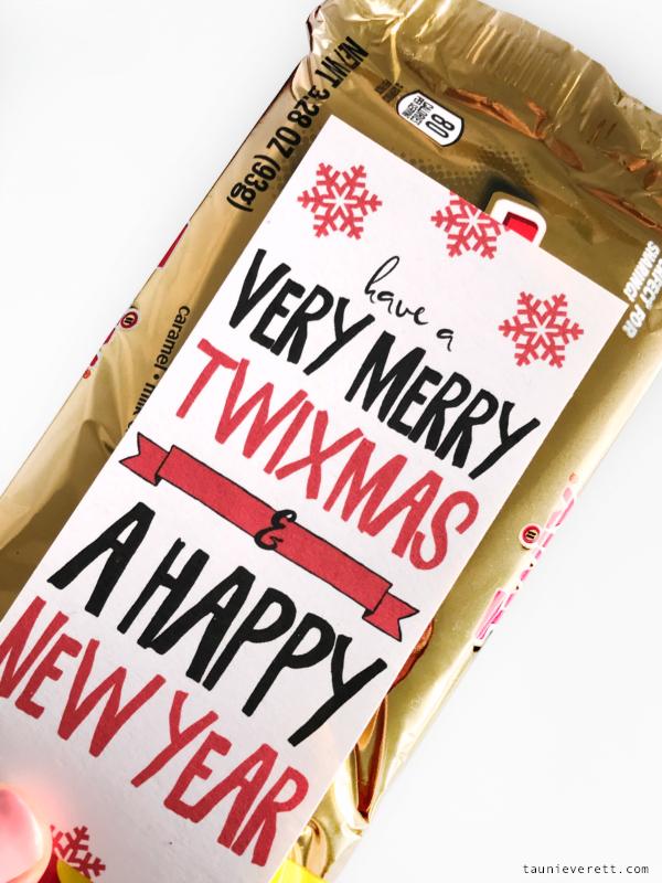 Twix christmas printable © tauni everett 6 600Twix Christmas Holiday Gift Idea + Printable Gift Tag. Perfect for coworkers, neighbors and teens #christmasgift #christmasprintable #twix #lastminutegift
