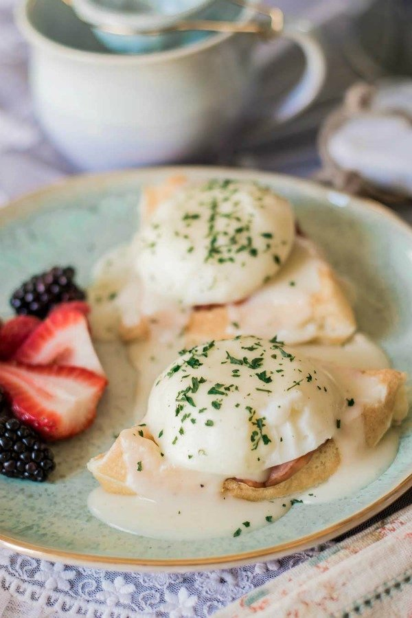 The diy mommy waffles eggs benedict 2