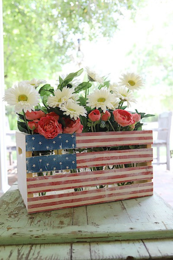 Fourth of july paper napkin crate