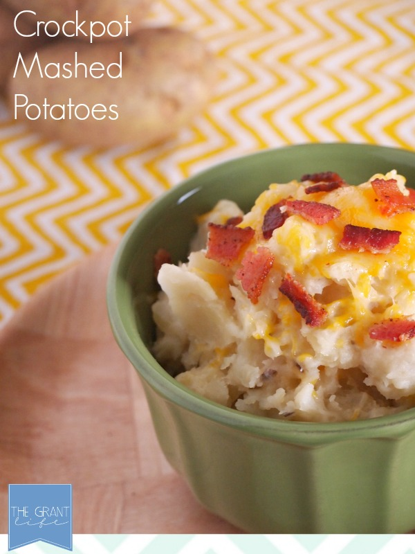 Crockpot-Mashed-Potatoes-via-thegrantlife.com_.-These-would-be-perfect-for-Thanksgivng-or-a-dinner-party.-
