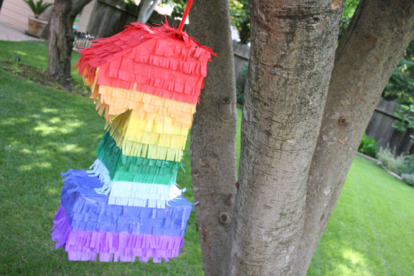 DIY Rainbow Pinata via The Sweetest Occaision
