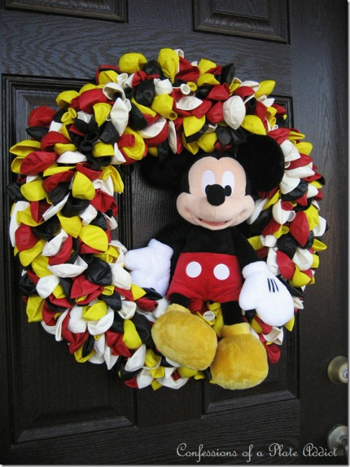 Mickey Mouse Wreath. Plus 15 Mickey and Minnie Mouse Craft Projects - So many fun ideas here. Great for trips to Disney or at-home parties.