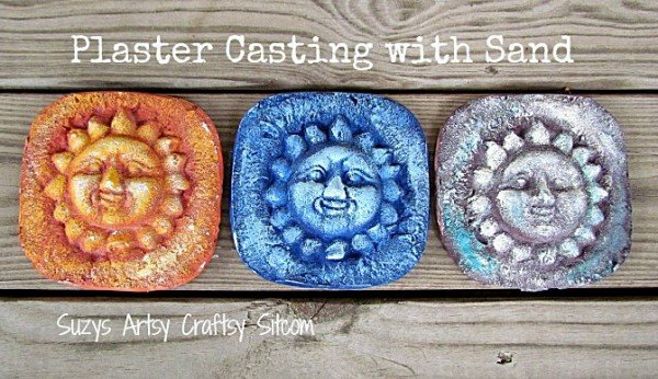 Plaster casting with sand