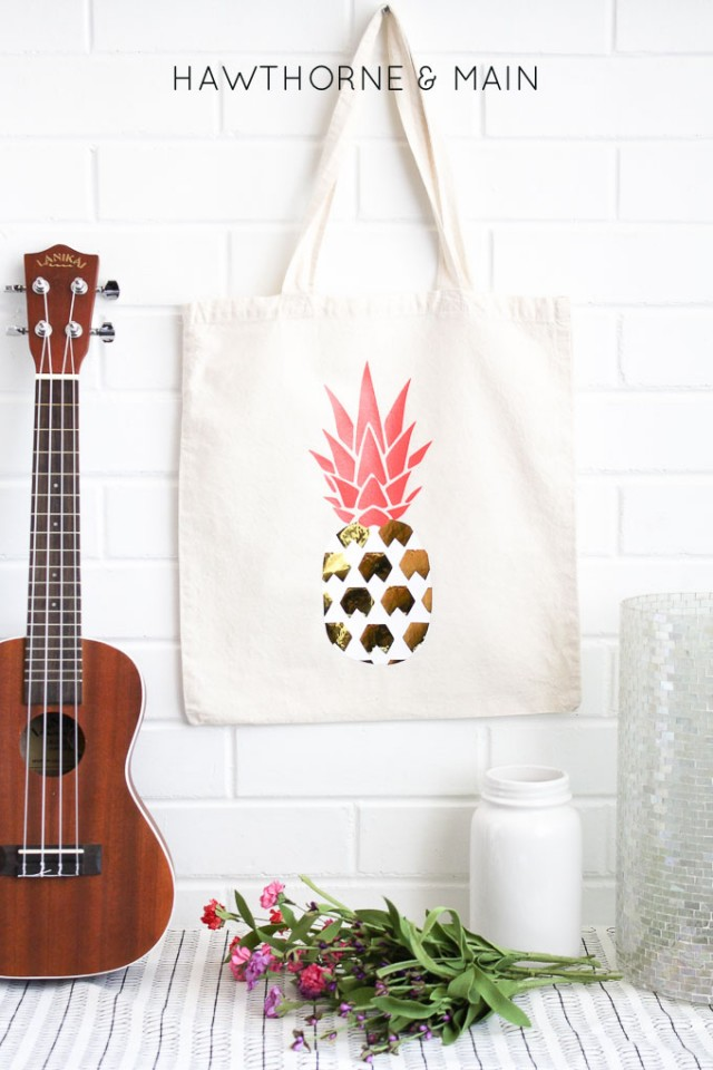 Handmade Pineapple tote bag. Full tutorial available.